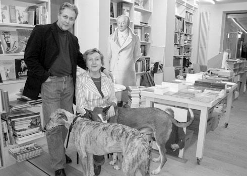 """""""Rudolf en Selinde Mueller met Goethe en de honden"""" ©Cees Nooteboom"""