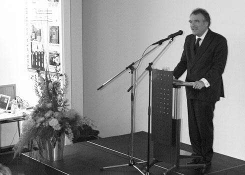Hans-Heinrich Grosse-Brockhoff bei der Eröffnung des Heine Hauses